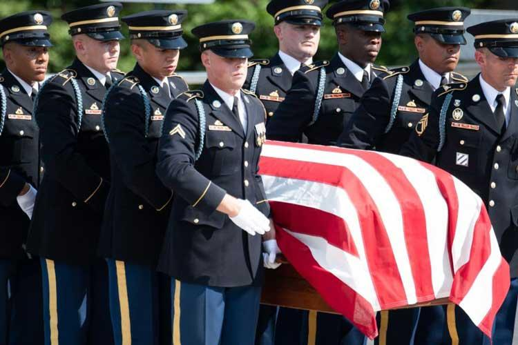 """Honor guard soldiers from the 3rd U.S. Infantry Regiment, """"The Old Guard,"""" carry a casket bearing the remains of two unknown Civil War Union soldiers during a burial ceremony held at Arlington National Cemetery on Sept. 6, 2018. (MICHAEL S. DARNELL/STARS AND STRIPES)"""
