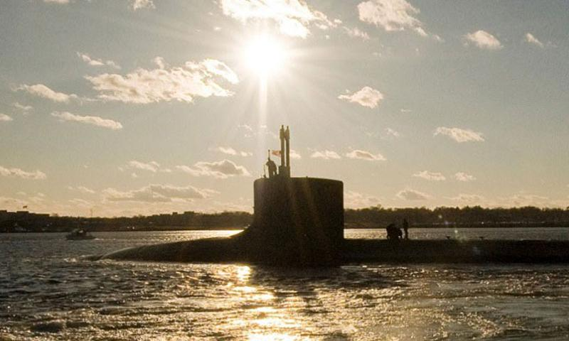 The USS Virginia, a Virginia-class attack submarine, departs Groton, Conn., for a six-week deployment on Jan. 9, 2009. (U.S. Navy)