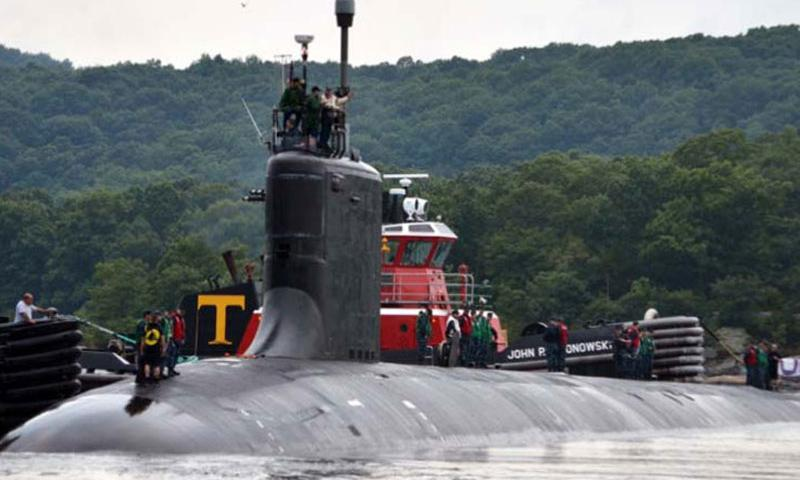 The Virginia-class attack submarine USS Virginia departs Naval Submarine Base New London for a six-month deployment in August, 2013. (Photo by Jason J. Perry/U.S. Navy)