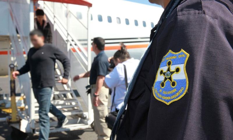 U.S. Immigration and Customs Enforcement conducts a repatriation flight to El Salvador, Jan. 7, 2016.    U.S. Immigration and Customs Enforcement