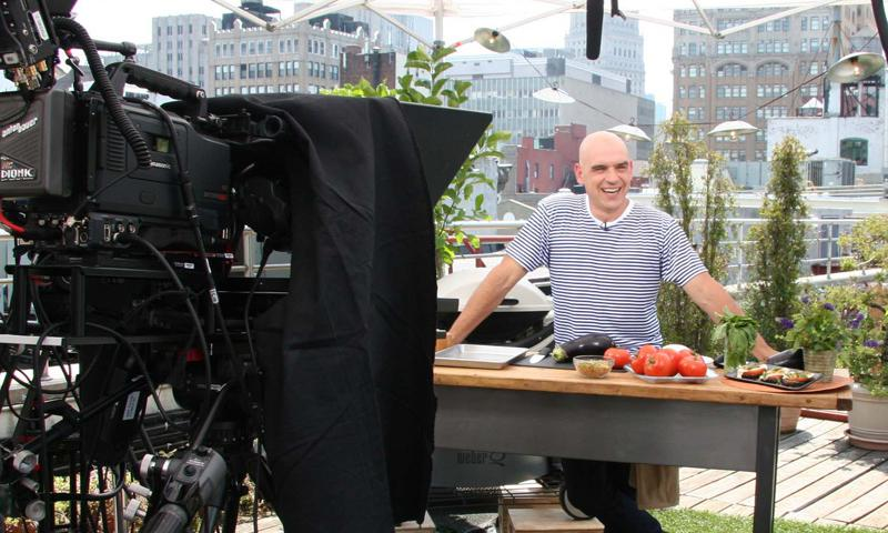 Celebrity Chef Michael Symon offers tips for stress-free summer hosting and barbequing.