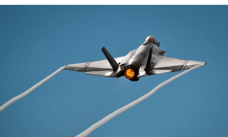 An F-35C Lightning II takes off from Eglin Air Force Base, Fla., on Aug. 14, 2013. SAMUEL KING JR./U.S. AIR FORCE